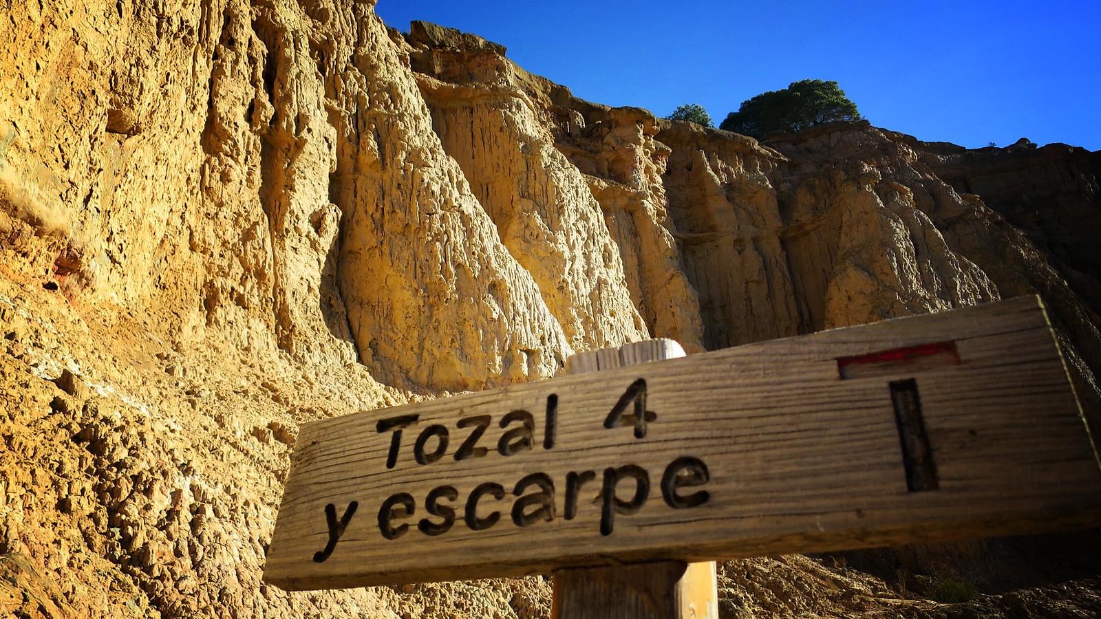 Los Monegros: Ruta Jubierre I: Tozal de la Cobeta - Tozales de los Pedregales - Tozal de Colasico - Tozal Solitario
