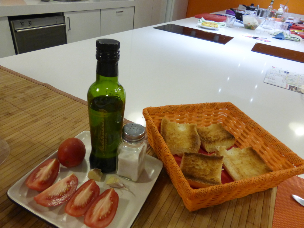 Cooking Point Madrid Toast with Tomato and Garlic