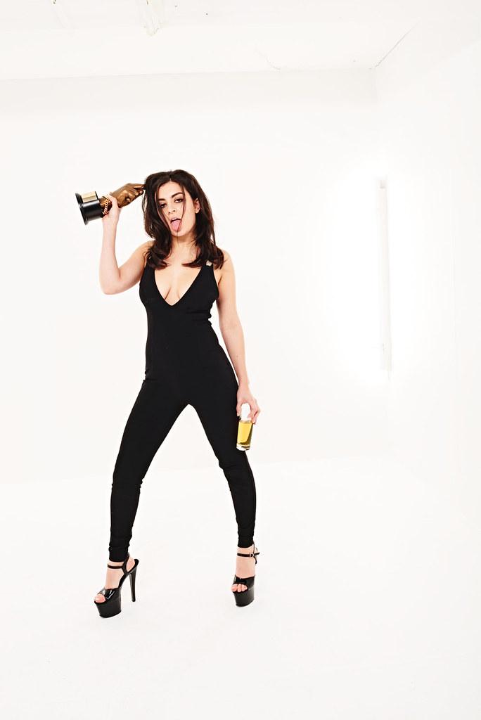Charli XCX — Фотосессия на «NME Awards» 2016 – 8