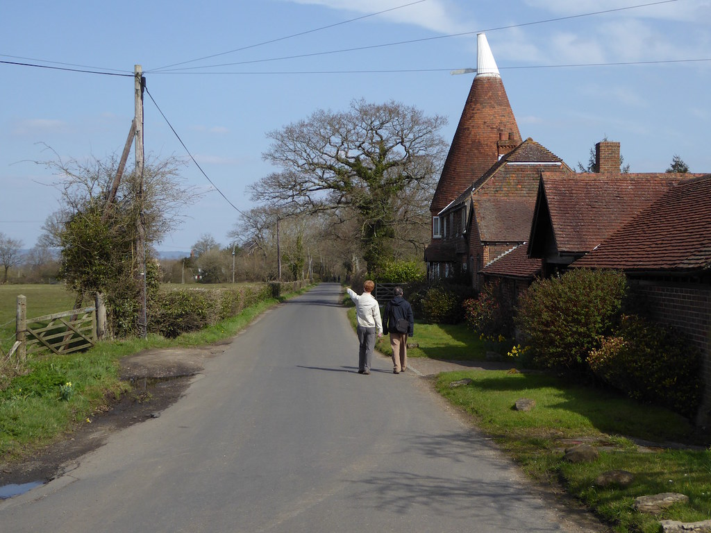 Oast House and lane Ashurst to Eridge walk
