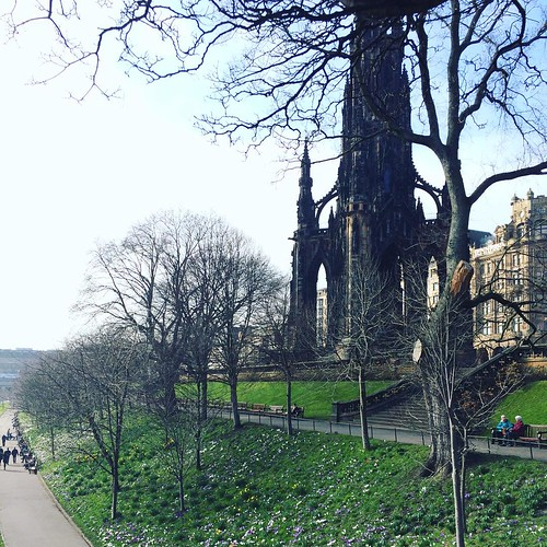 Spring in #Edinburgh is a sight to behold. Sometimes while wearing an extra layer.