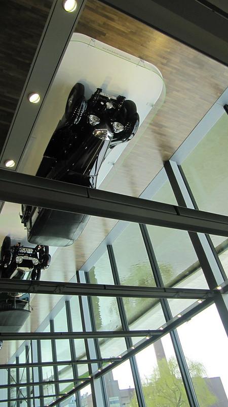 cars_Zeithaus_mirror_oben_schrag