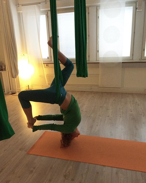 All is yoga #aerialyoga #yoga #allisyoga #goodmorning #inversion