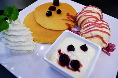 n-and-b-pancake-DSC_0166