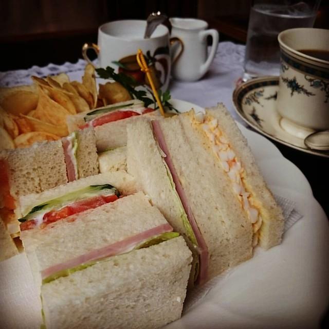 Photo:御茶ノ水での用事を済ませて遅い昼食。山の上ホテル、実は初めてです。 By ayustety