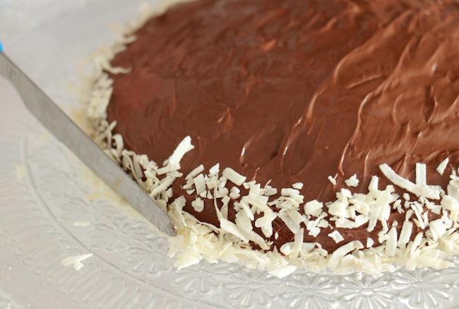 gateau_surprise_de_paques_zebra_cake_blog_patisserie_la_rochelle_20