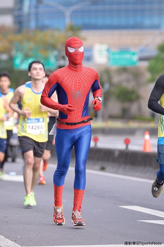Spiderman in Taipei Marathon (6)