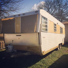 She has good bones. #vintage #trailer #rv #boles #bolesaero