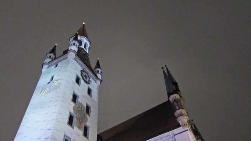 Goldengelchen-Winter in München-Altes Rathaus