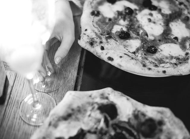 Pizza and bellini
