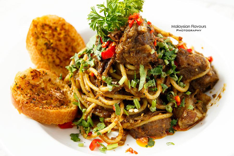 Rail Canteen Sunway Nexis spaghetti rendang kambing