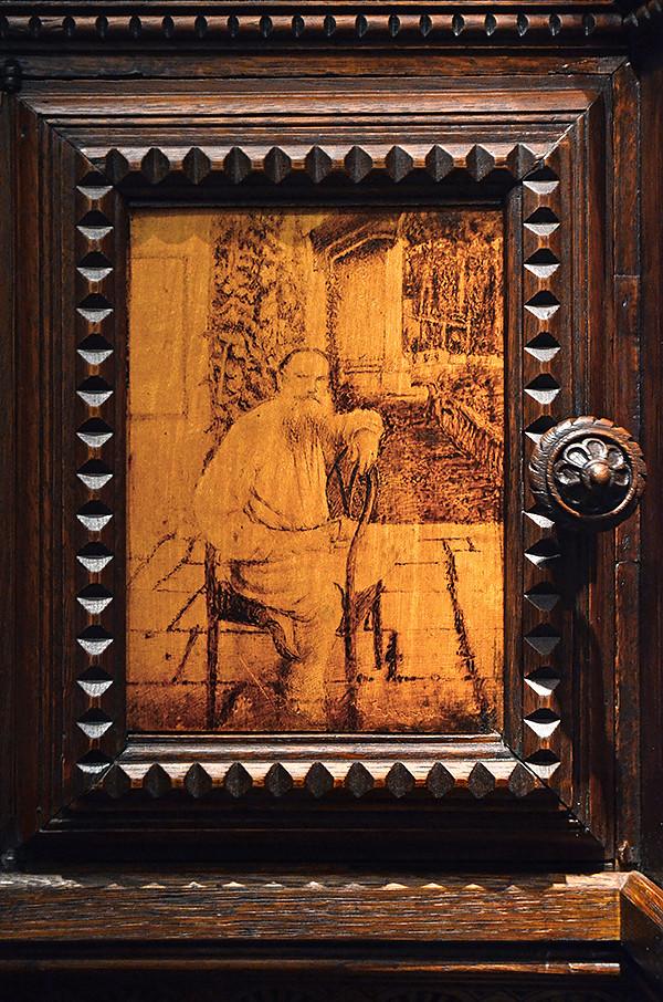 Bookcase Leo Tolstoy 03