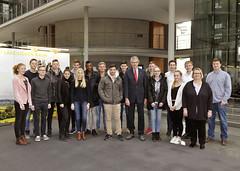 Besuch von Schülerinnen und Schülern der Oberstufe des St. Anna Gymnasium in Wuppertal