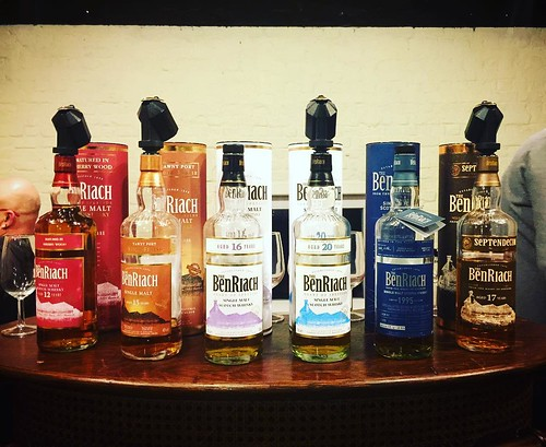 BenRiach tasting met @stewart.buchanan ... Ik ben er klaar voor. #whiskywithfriends #whisky #benriach