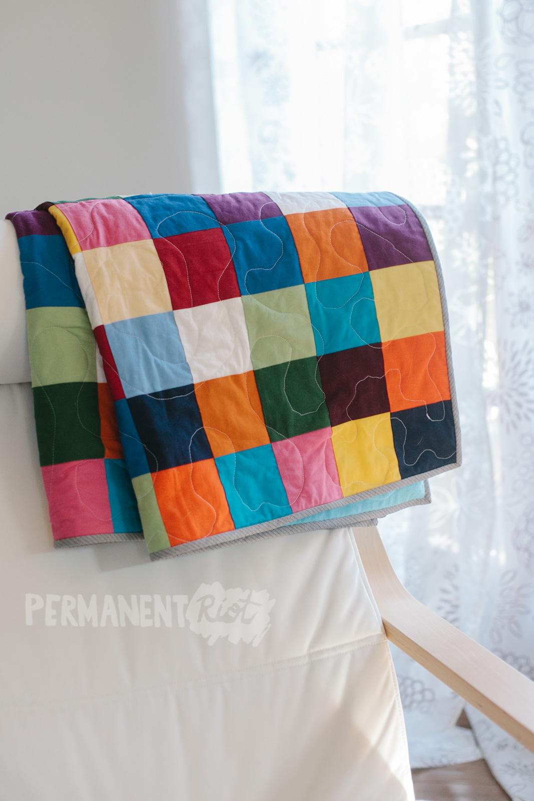rainbow-patchwork-baby-quilt-1