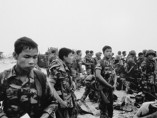 Tháng 3 gẫy súng -  Binh sĩ TQLC Nam VN trong giờ phút tan hàng