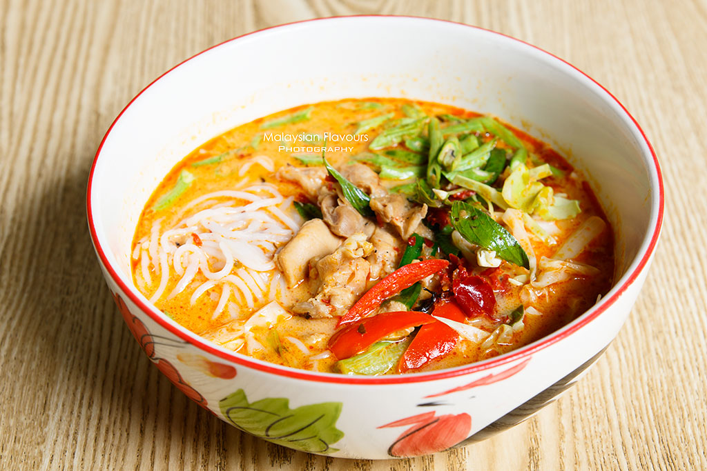 Streat Thai red curry chicken noodles