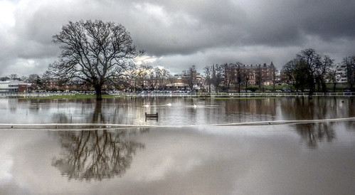 Worcester Racecourse in flood 2016 3