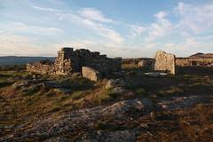 Necrópole megalítica e Capela de Nossa Senhora do Monte em Penela da Beira, Penedono (Ruínas)