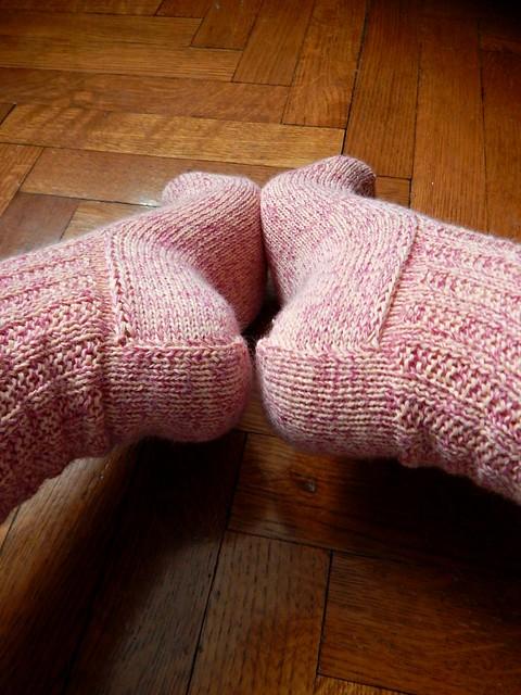 носки с квадратной пяткой без клина подъема стопы, пятки | Хорошо.Громко.