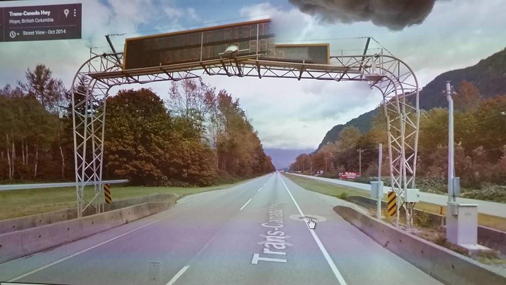Beautifil broken traffic warning #ridingthroughwalls #Google #Streetview #glitch