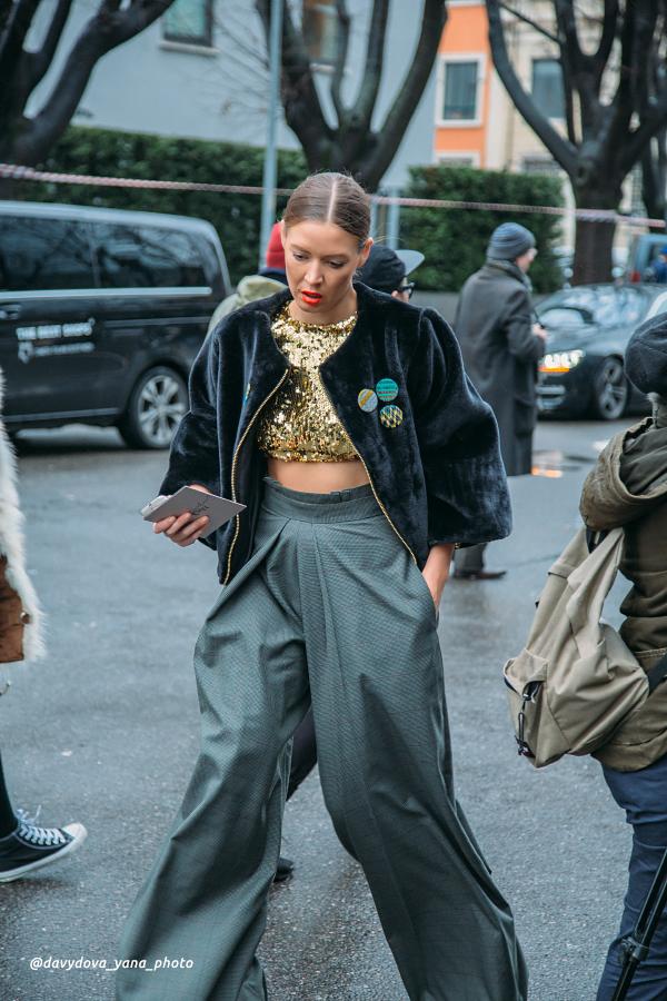 24757866693 fd279fa34d o - Стритстайл недели моды в Милане: Гости Armani Show в объективе Яны Давыдовой
