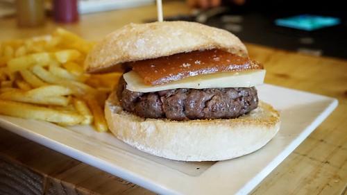 Burger de membrillo con queso curado