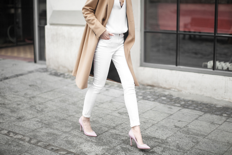 All white skinny jeans outfit