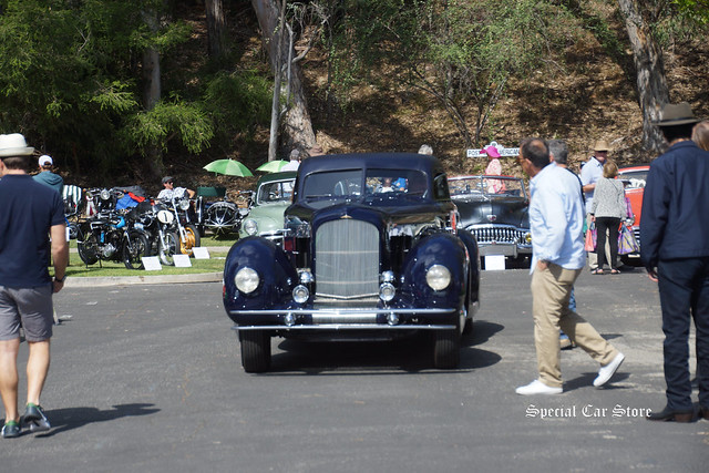 Jay Leno cruises into the Greystone Mansion