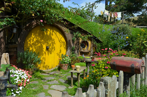 Hobbiton Movie Set (The Shire from LOTR and The Hobbit)