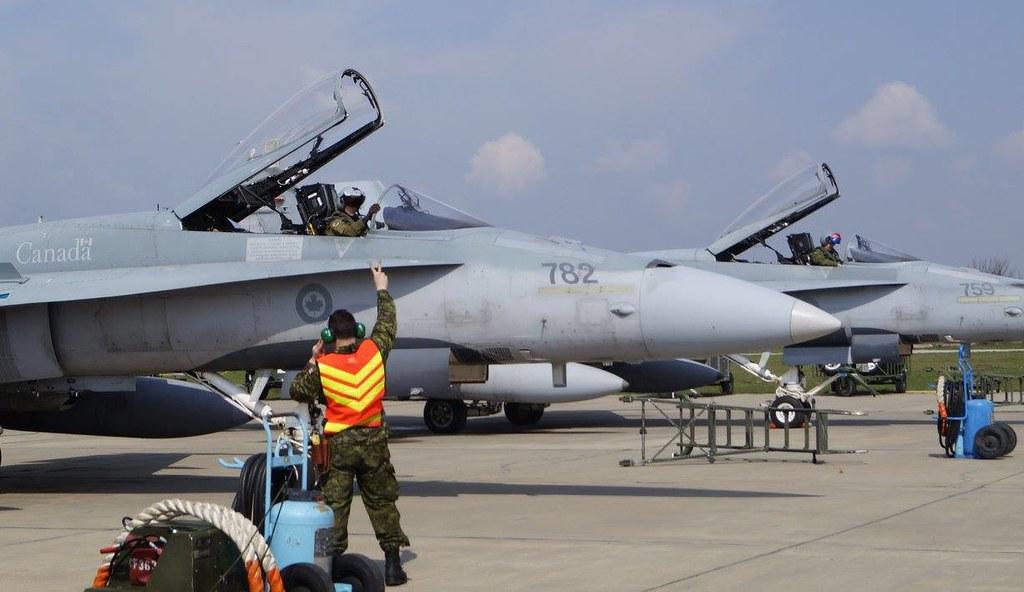 Aspect de la exercițiul bilateral româno-canadian se află în plină desfășurare la Baza militară de la Mihail Kogălnicean (17)