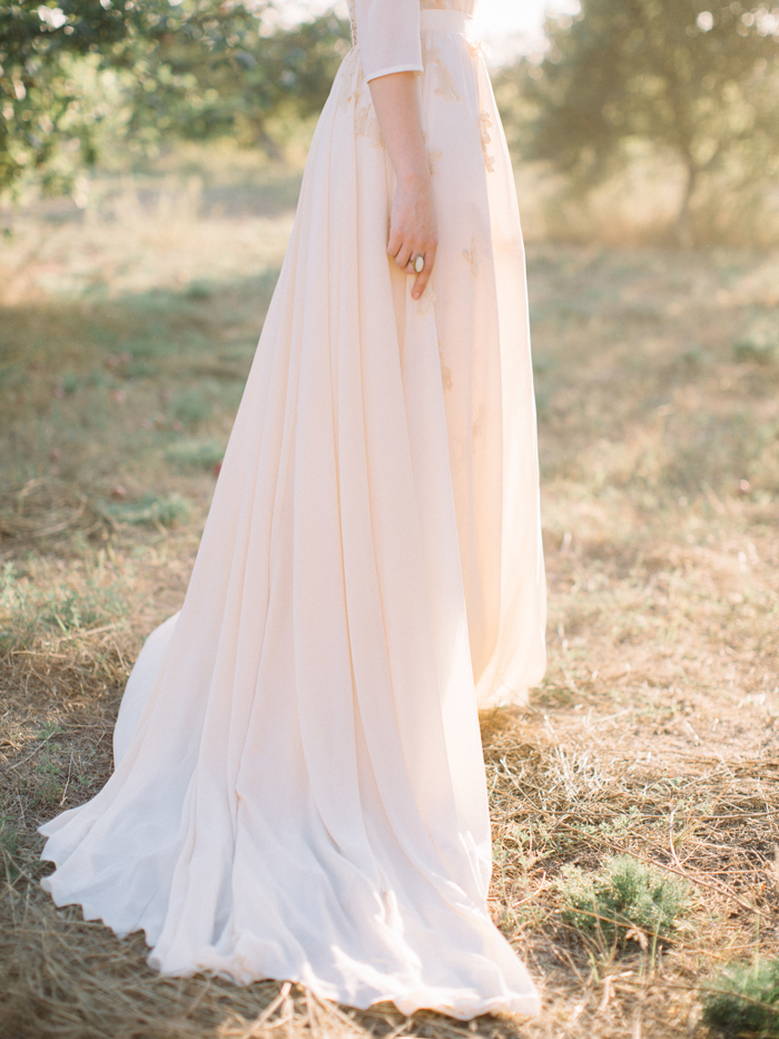 Muted Tones and blush wedding gown | Fab Mood #blushweddingdress