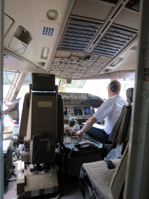 CX 777 300ER HKG to JNB-006