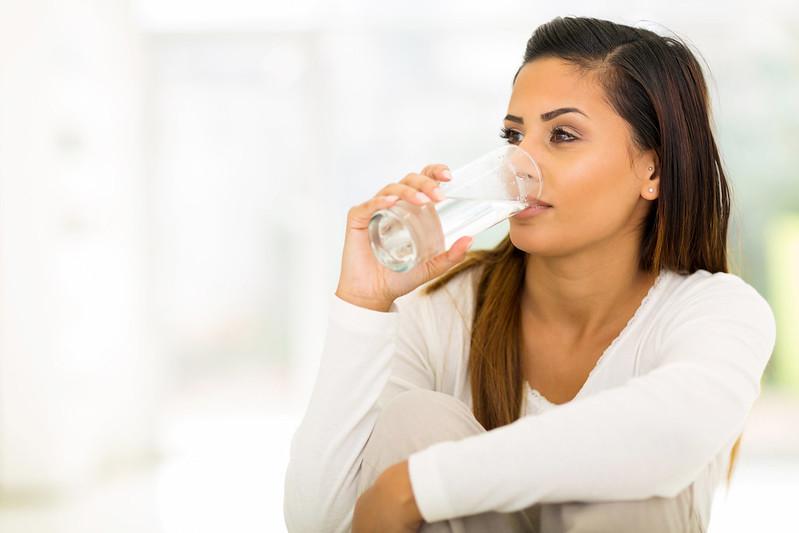 17 Cara Menghilangkan Cegukan Membandel Dengan Cepat Secara Alami, Tanpa Minum Air Putih Juga Bisa!