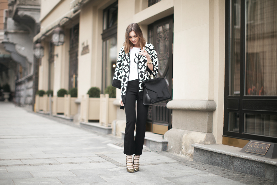 cropped-flares-heels-outfit-fashion-blog