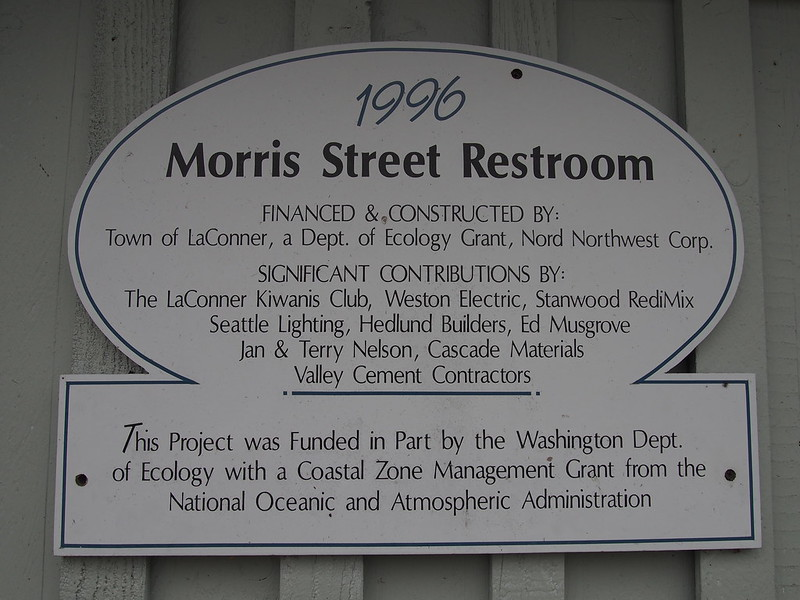 Morris Street Restrooms: These were the nicest public restrooms I've ever used!