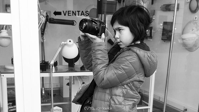 Mi pequeña fotógrafa