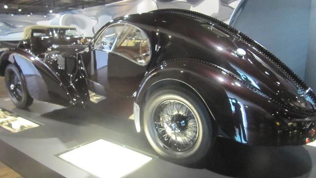 cars_Bugatti2