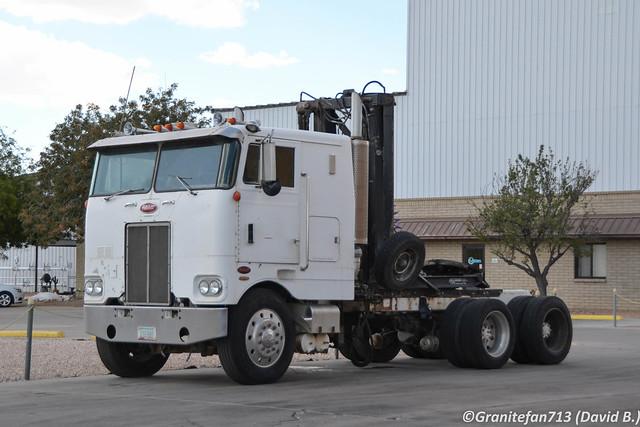 Peterbilt 352 Tractor (AZ)