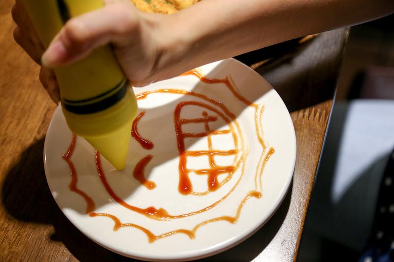 北義極品咖啡館 小南門捷運站咖啡館 草莓冰淇淋鬆餅 芒果冰淇淋鬆餅 喝酒小酌生啤酒 三明治餐點輕食 咖啡拉花 草莓蛋糕