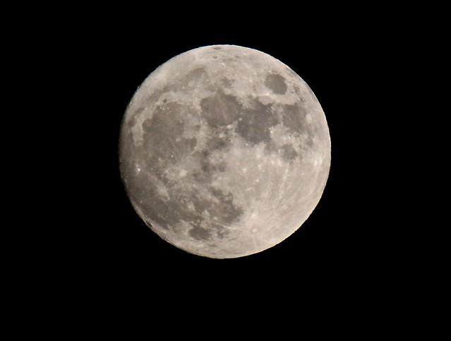 Moon 24 Dec 2015