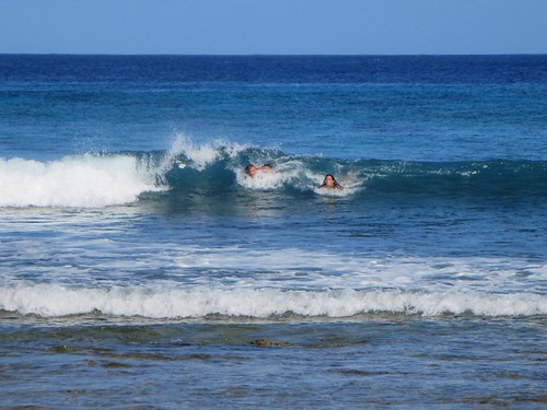 west island islands cocos keeling bodysurfing