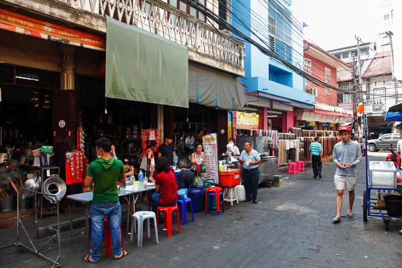 Go Neng Ton Lamyai Market Fried Crullers