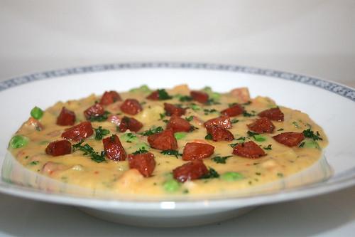 45 - Potato soup with chorizo & peas - Side view / Kartoffelsuppe mit Chorizo & Erbsen - Seitenansicht