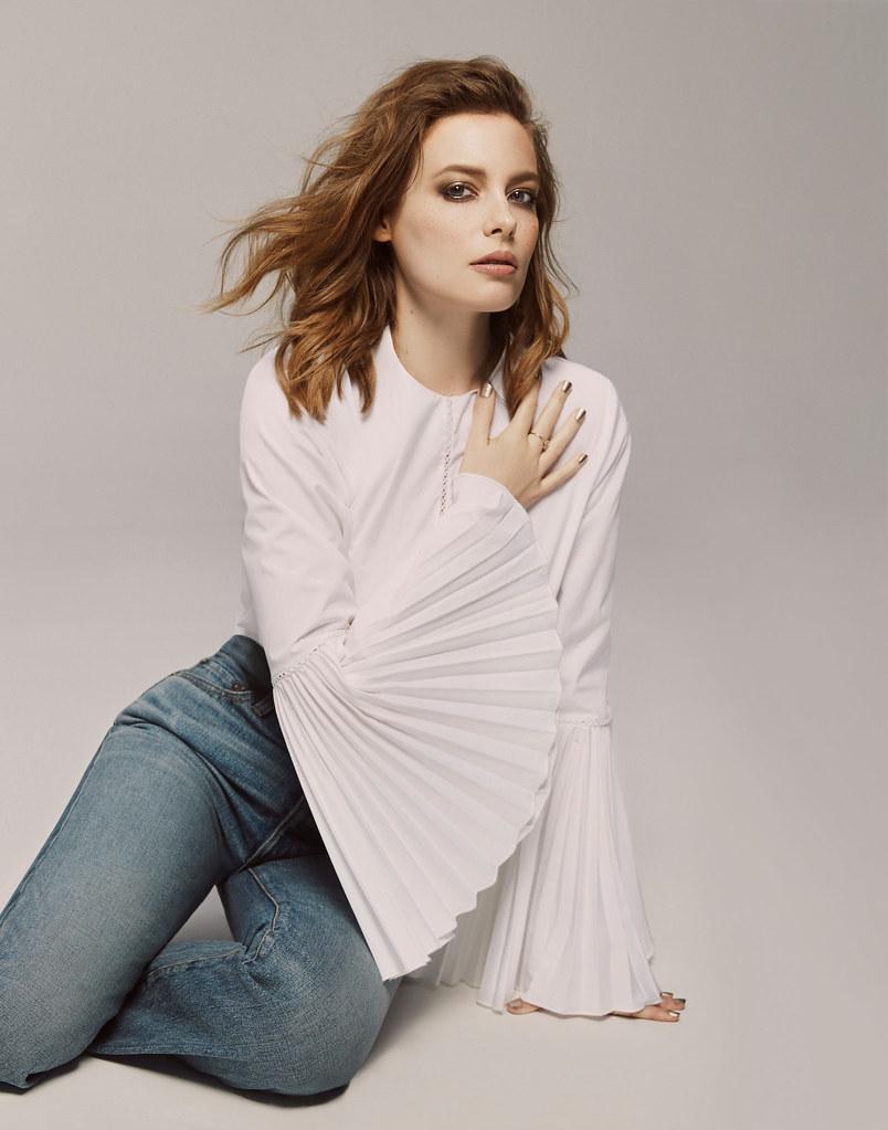 Гиллиан Джейкобс — Фотосессия для «Elle» 2016 – 1