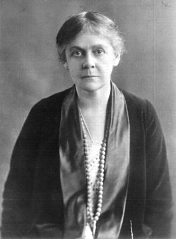 教科書欠她們一個名字—曾撼動過世界的十位女科學家1