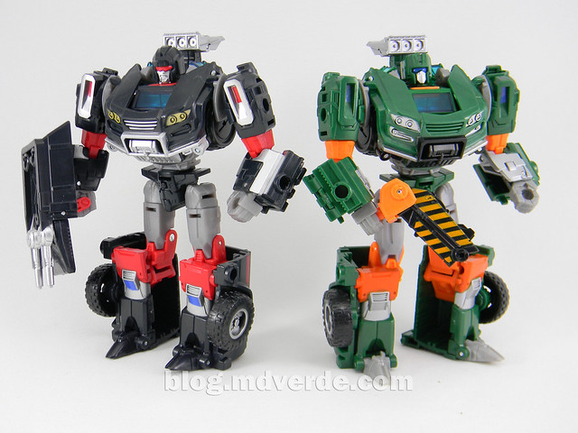 Transformers Hoist Deluxe - Generations Takara - modo robot vs Trailbreaker