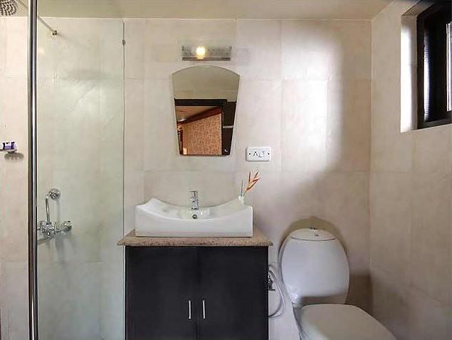 cardamom luxury houseboat for 4