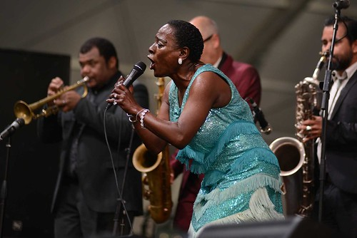 Sharon Jones & the Dap-Kings close out the Blues Tent on Day 1 of Jazz Fest 2016.