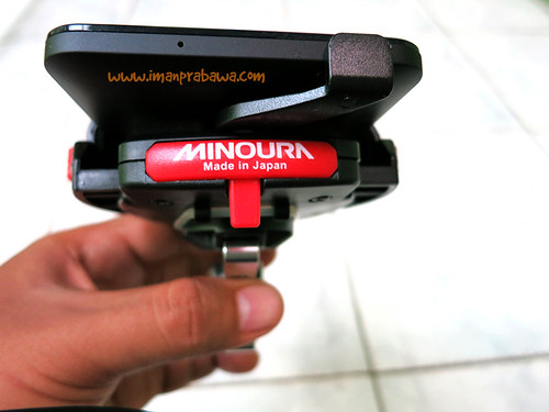 Untuk Melepas Pegangan Minoura iH-220-M